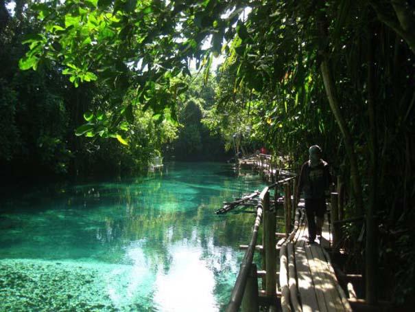 Μαγευτικό ποτάμι με κρυστάλλινα νερά (10)