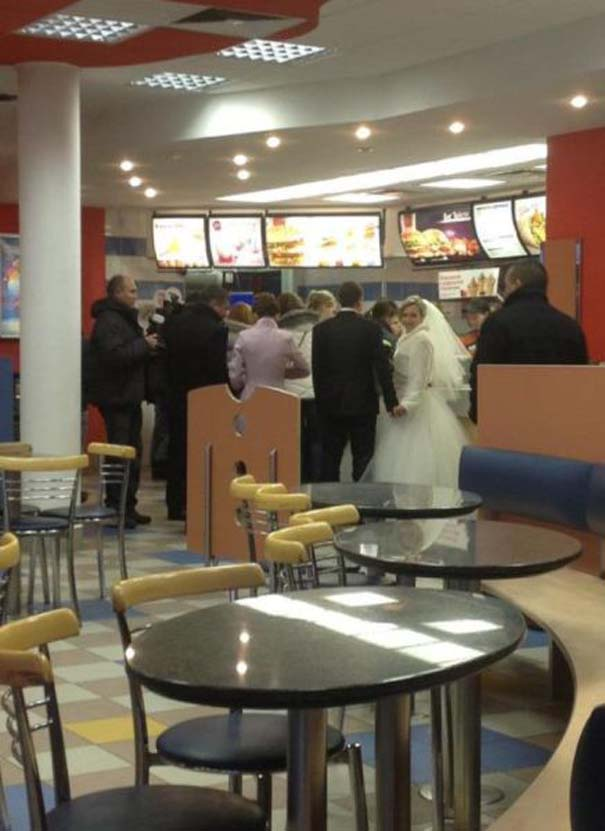 Παράξενα περιστατικά στα McDonald's (16)