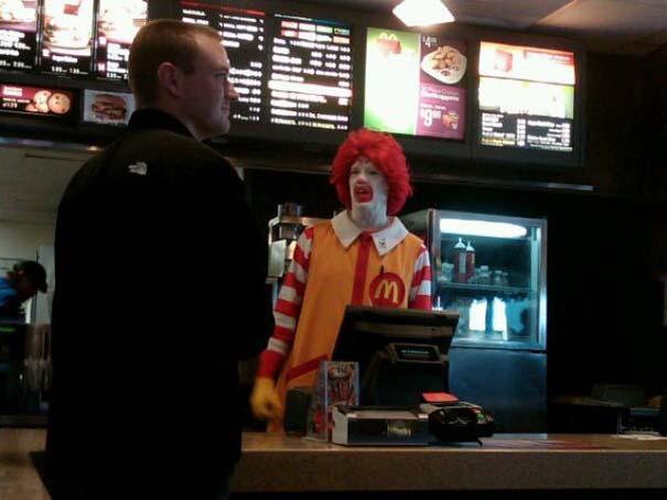 Παράξενα περιστατικά στα McDonald's (26)