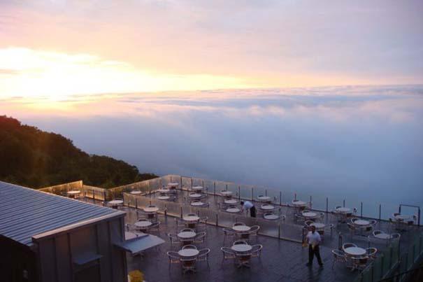 Πιείτε τον καφέ σας πάνω από τα σύννεφα (12)