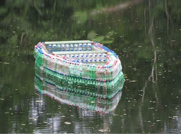Βάρκα από πλαστικά μπουκάλια (3)