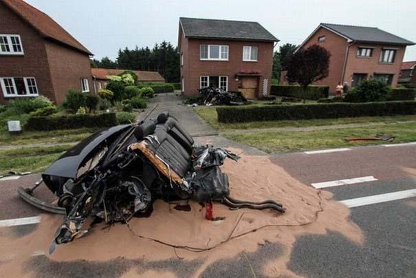 Audi S8 έγινε... κομματάκια και ο οδηγός βγήκε σχεδόν ανέπαφος (7)