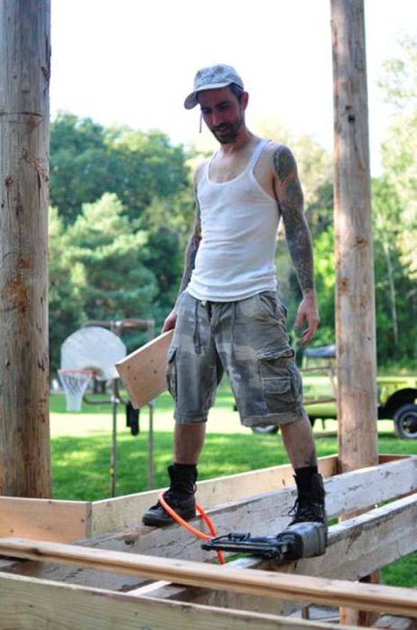 Κατασκευάζοντας ένα εντυπωσιακό δενδρόσπιτο για ενήλικες (4)
