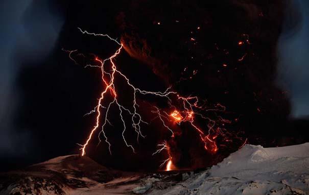 Εκπληκτικές φωτογραφίες που καταγράφουν την οργή της φύσης (20)
