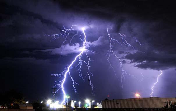 Εκπληκτικές φωτογραφίες που καταγράφουν την οργή της φύσης (17)