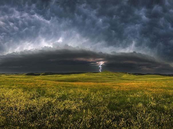 Εκπληκτικές φωτογραφίες που καταγράφουν την οργή της φύσης (18)