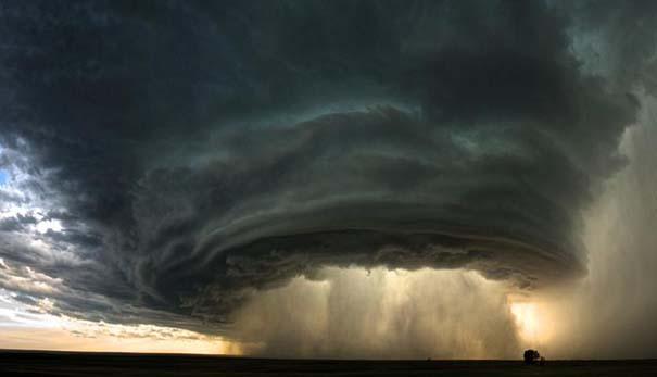 Εκπληκτικές φωτογραφίες που καταγράφουν την οργή της φύσης (25)