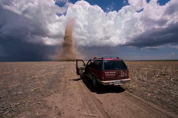 Εκπληκτικές φωτογραφίες που καταγράφουν την οργή της φύσης (1)