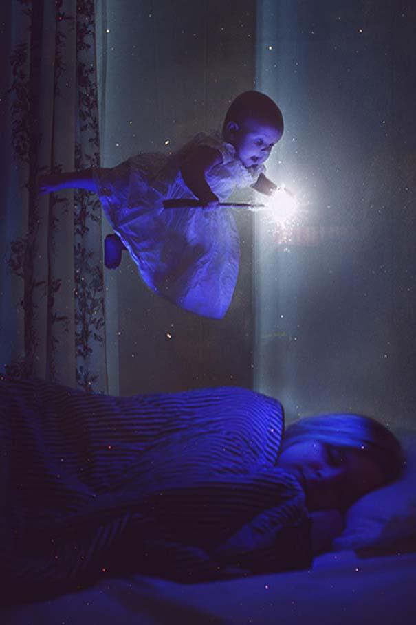 Φωτογράφος κάνει το βρέφος κοριτσάκι του να ποζάρει σε απίστευτες καταστάσεις (7)