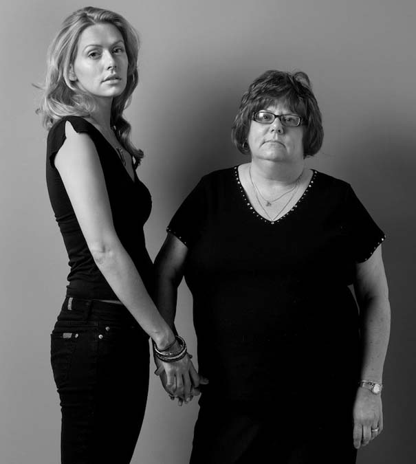 Μοντέλα φωτογραφίζονται με την μητέρα τους (1)