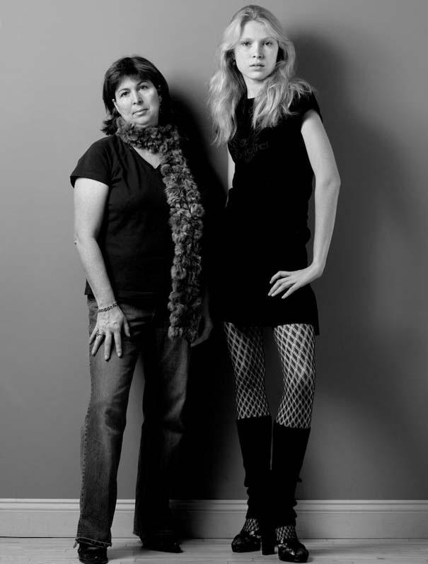 Μοντέλα φωτογραφίζονται με την μητέρα τους (2)