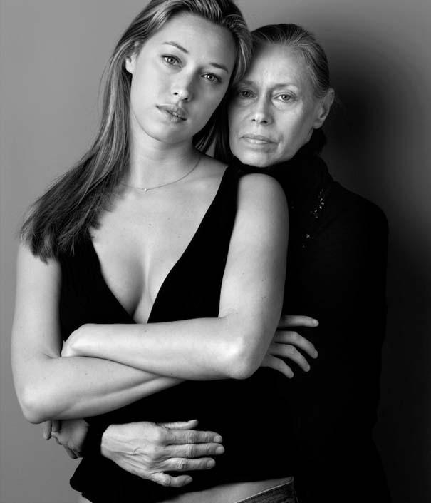 Μοντέλα φωτογραφίζονται με την μητέρα τους (3)