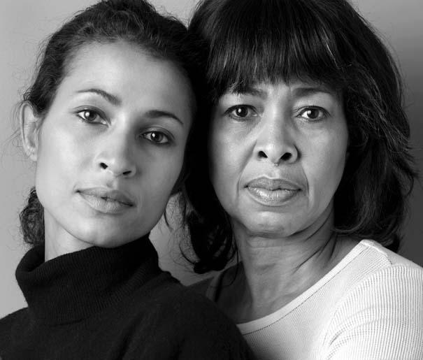 Μοντέλα φωτογραφίζονται με την μητέρα τους (5)