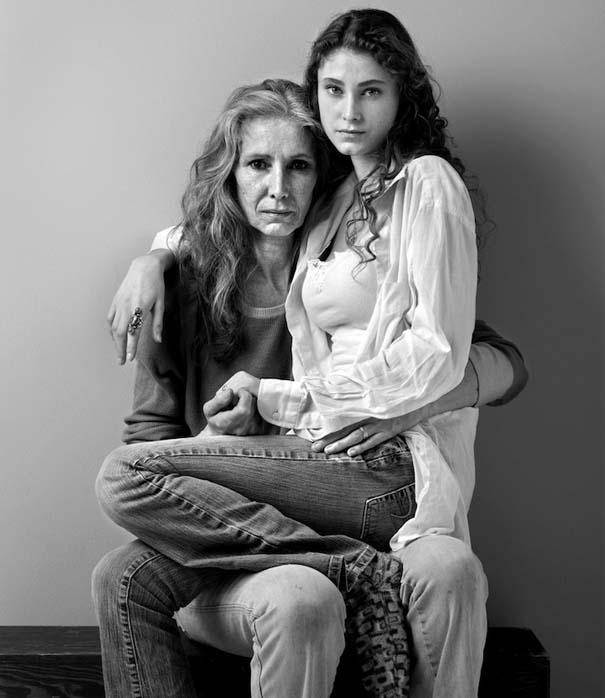 Μοντέλα φωτογραφίζονται με την μητέρα τους (9)