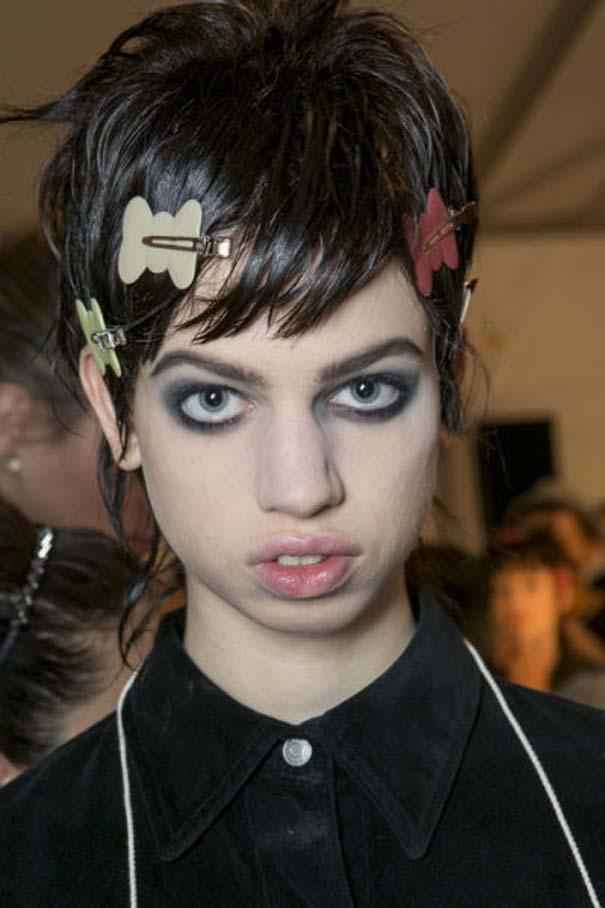 Ένα νεαρό Supermodel που προκαλεί απορίες... (21)