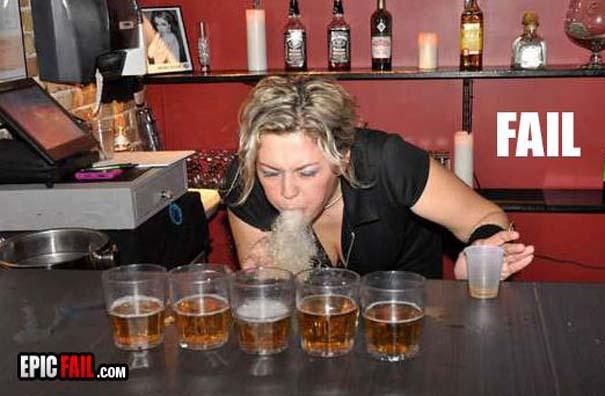Τα πιο παράξενα κι αστεία που μπορεί να συναντήσεις σε ένα Bar (4)