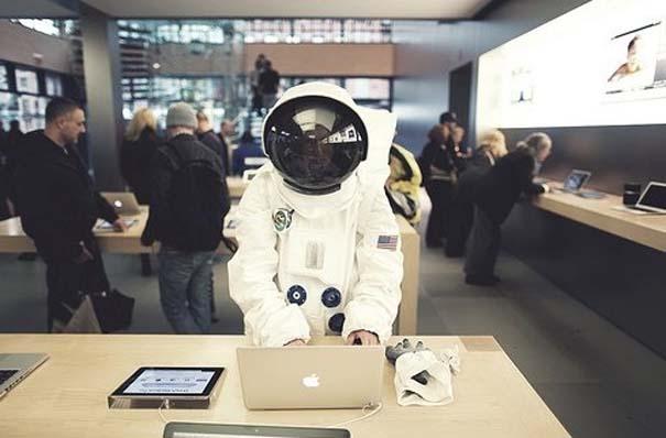 Παράξενα κι αστεία στα Apple Stores (1)