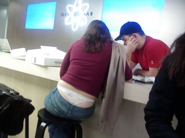 Παράξενα κι αστεία στα Apple Stores (4)