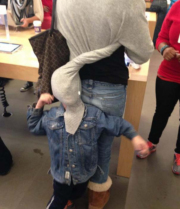 Παράξενα κι αστεία στα Apple Stores (5)