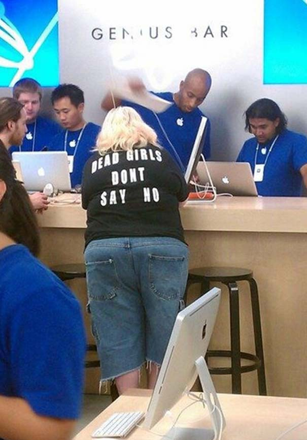 Παράξενα κι αστεία στα Apple Stores (11)