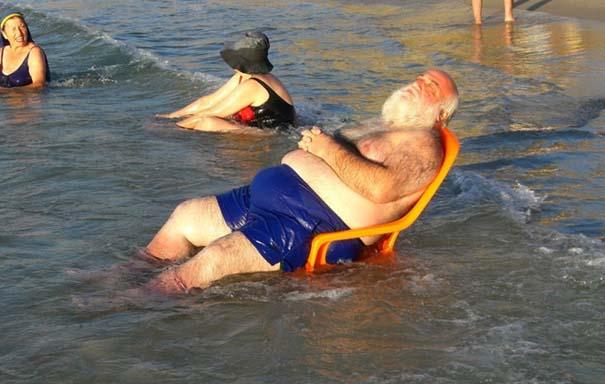 Παράξενα και τραγελαφικά στην παραλία (9)