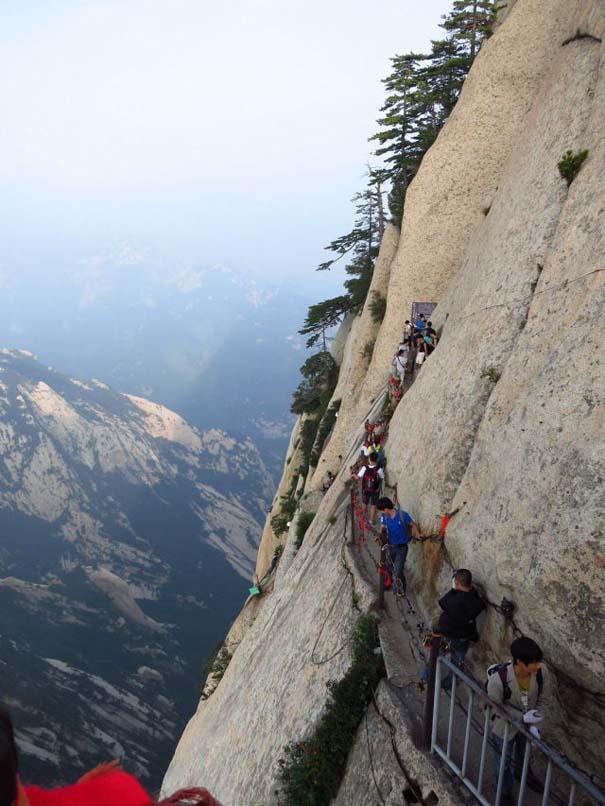 Το πιο τρομακτικό μονοπάτι σε βουνό (8)