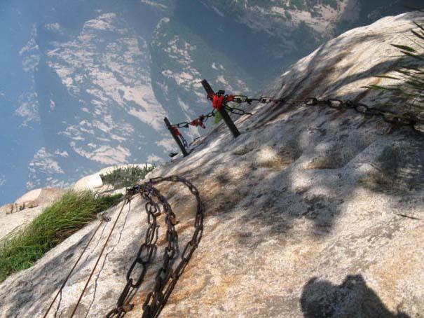 Το πιο τρομακτικό μονοπάτι σε βουνό (23)