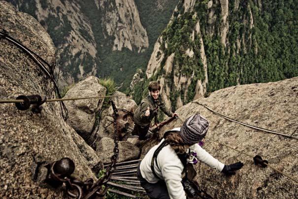 Το πιο τρομακτικό μονοπάτι σε βουνό (24)
