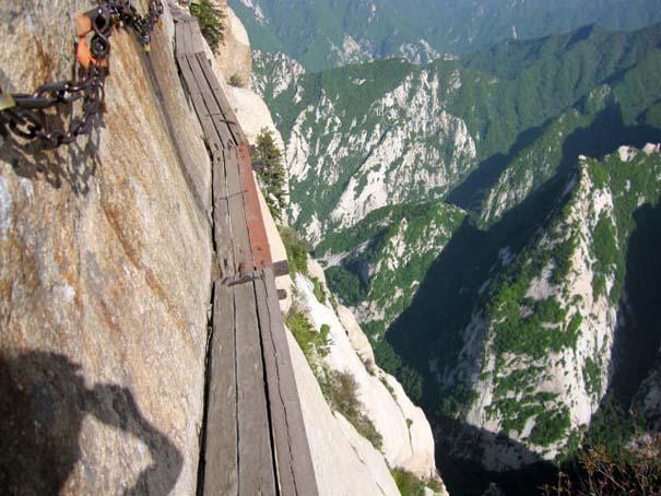 Το πιο τρομακτικό μονοπάτι σε βουνό (27)