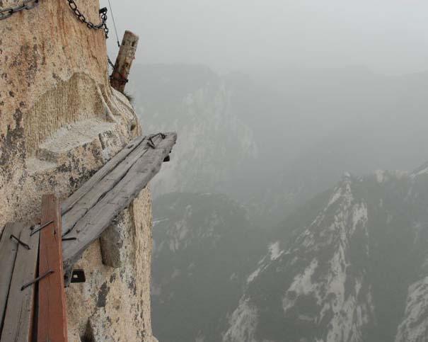 Το πιο τρομακτικό μονοπάτι σε βουνό (35)