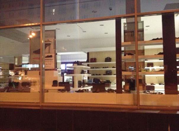 Βραδινό «θέαμα» στη βιτρίνα ενός καταστήματος (2)