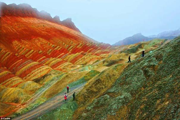 Danxia: Τα εξωπραγματικά πολύχρωμα βουνά στην Κίνα (2)