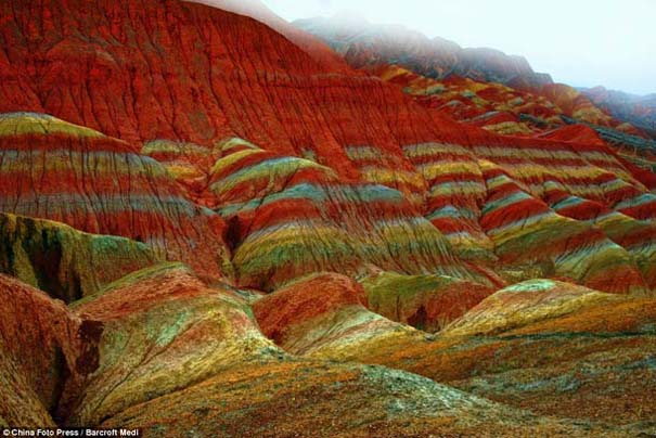 Danxia: Τα εξωπραγματικά πολύχρωμα βουνά στην Κίνα (6)