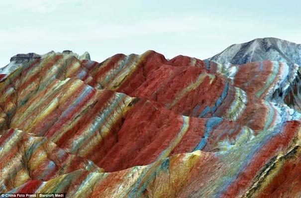 Danxia: Τα εξωπραγματικά πολύχρωμα βουνά στην Κίνα (7)