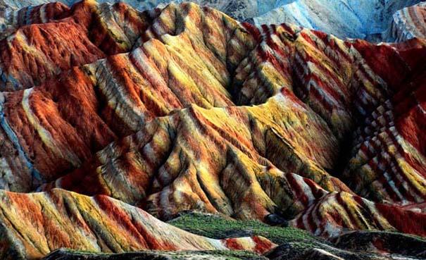 Danxia: Τα εξωπραγματικά πολύχρωμα βουνά στην Κίνα (12)