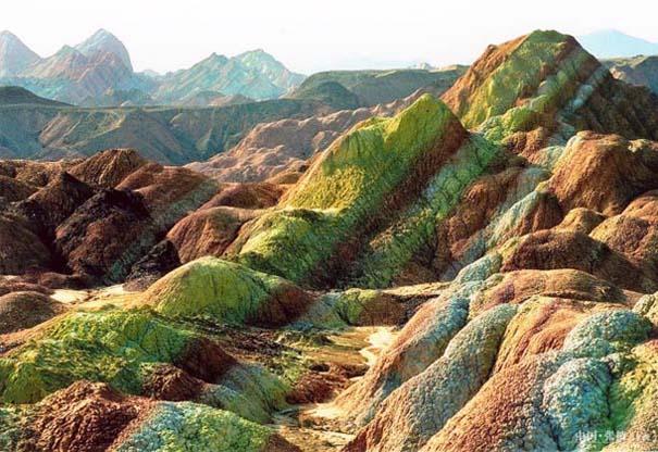 Danxia: Τα εξωπραγματικά πολύχρωμα βουνά στην Κίνα (13)