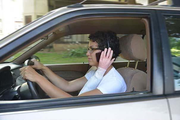 Εκκεντρικό handsfree για το αυτοκίνητο (1)