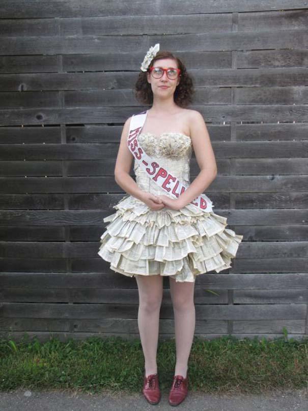 Φόρεμα φτιαγμένο αποκλειστικά από τις σελίδες ενός βιβλίου (1)