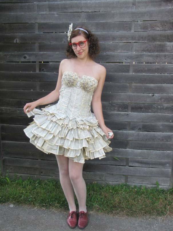 Φόρεμα φτιαγμένο αποκλειστικά από τις σελίδες ενός βιβλίου (2)