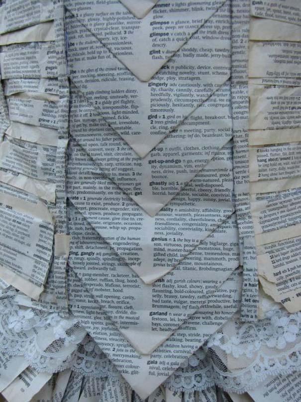 Φόρεμα φτιαγμένο αποκλειστικά από τις σελίδες ενός βιβλίου (4)