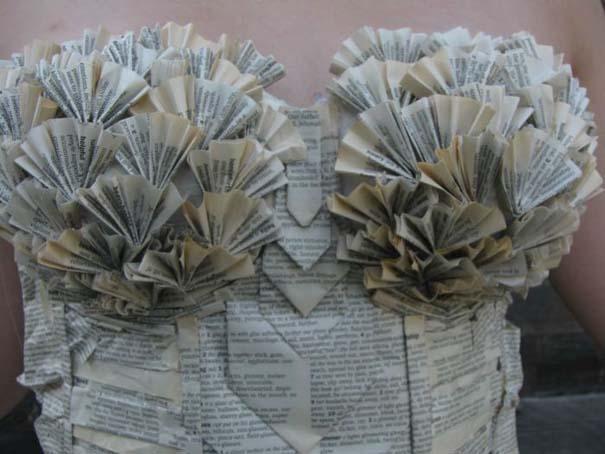 Φόρεμα φτιαγμένο αποκλειστικά από τις σελίδες ενός βιβλίου (5)