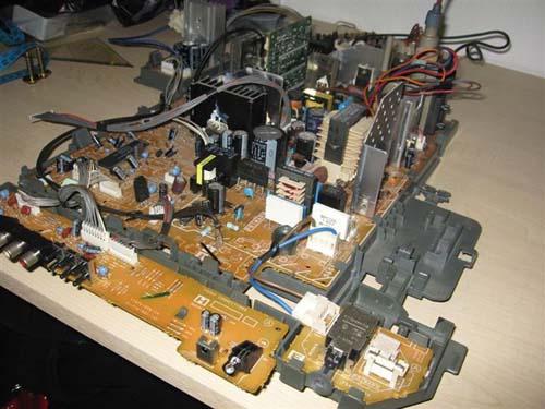 Έφτιαξε κλασσικό Arcade χρησιμοποιώντας μια παλιά τηλεόραση (3)