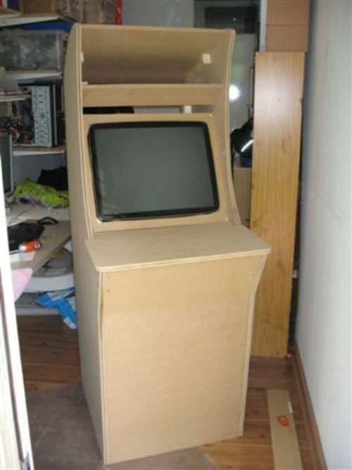 Έφτιαξε κλασσικό Arcade χρησιμοποιώντας μια παλιά τηλεόραση (7)