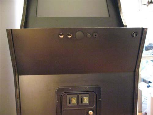 Έφτιαξε κλασσικό Arcade χρησιμοποιώντας μια παλιά τηλεόραση (24)