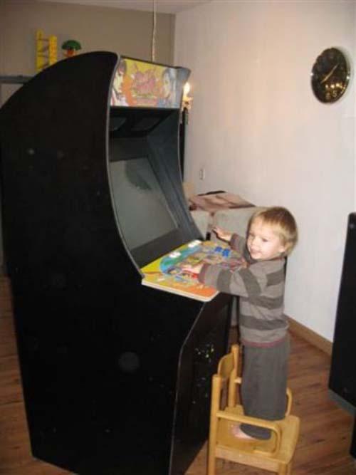 Έφτιαξε κλασσικό Arcade χρησιμοποιώντας μια παλιά τηλεόραση (29)