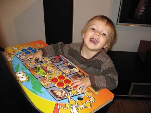 Έφτιαξε κλασσικό Arcade χρησιμοποιώντας μια παλιά τηλεόραση (30)
