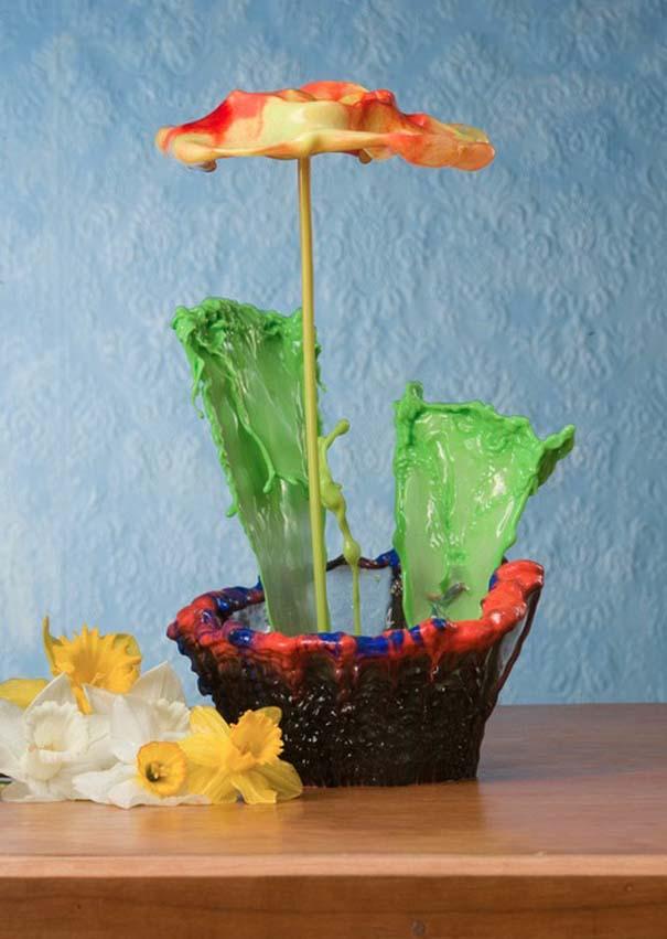 Καλλιτέχνης δημιουργεί λουλούδια από παφλασμούς χρωματισμένου νερού (1)