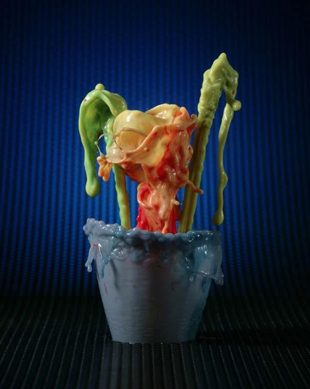 Καλλιτέχνης δημιουργεί λουλούδια από παφλασμούς χρωματισμένου νερού (15)