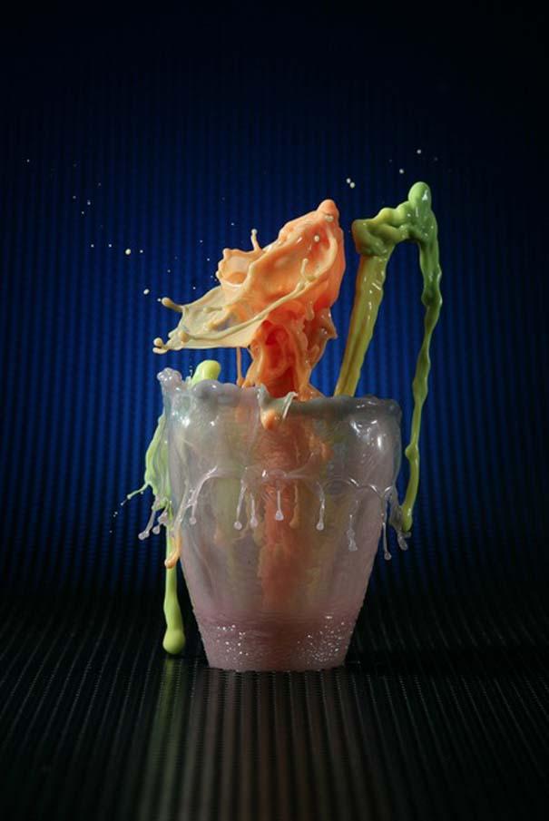 Καλλιτέχνης δημιουργεί λουλούδια από παφλασμούς χρωματισμένου νερού (17)