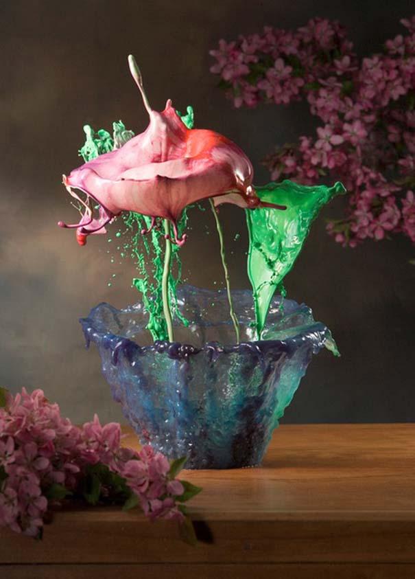 Καλλιτέχνης δημιουργεί λουλούδια από παφλασμούς χρωματισμένου νερού (18)